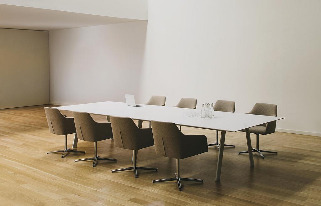 Mesas de Conferencia Radial