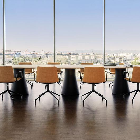 Mesas  de conferencia Reverse / Andreu World