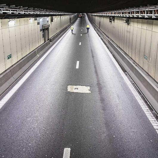 Luminarias para túneles - TAG / Schréder