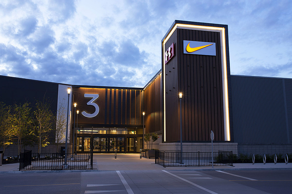 Frozen Titanium and Roma Noce Metal Cladding on Outlet Collection Winnipeg