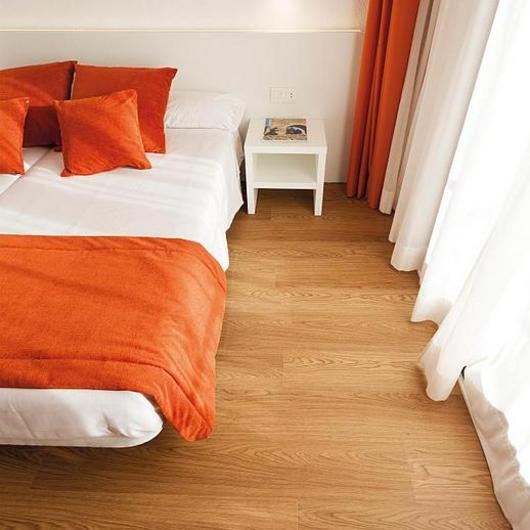 Revestimiento vinílico Linkfloor - Hotel Air / Porcelanosa Grupo