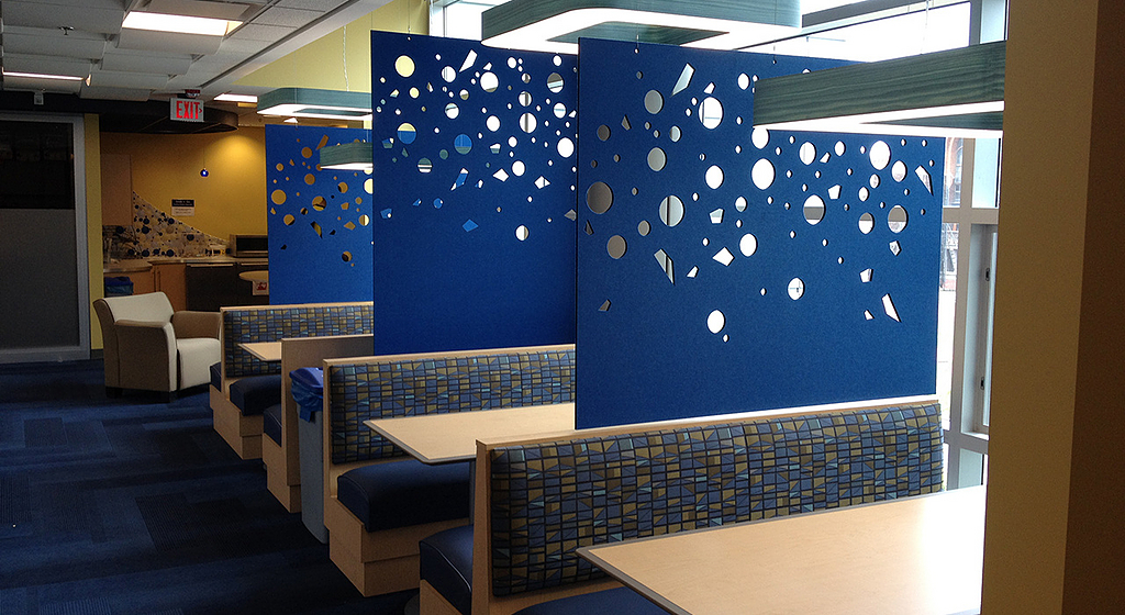 Paneles acústicos para cielos y muros - Ecoustic® Screen