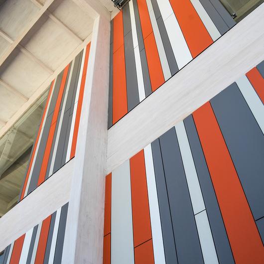 Sistema de Fijación de Fachadas Sika Tack®-Panel / Sika