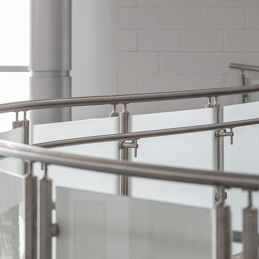 Stainless Steel Railing - VUE™ / Hollaender