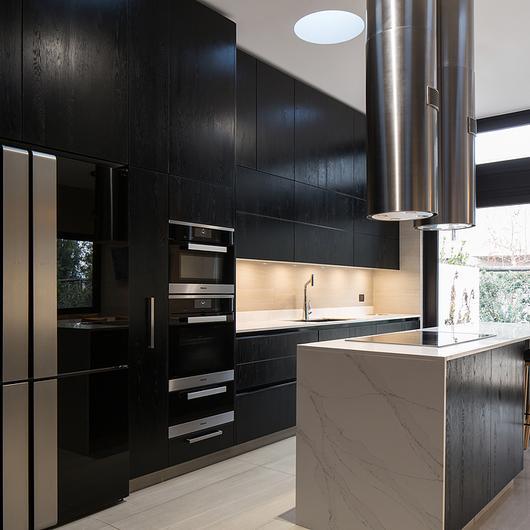 Cocina negra de alta gama