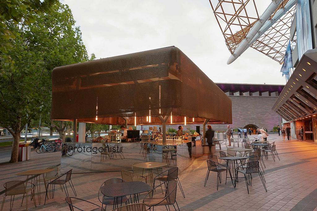 Architectural Mesh in Protagonist café