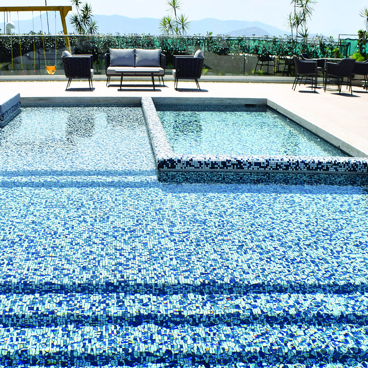 Mosaicos para piscinas personalizables