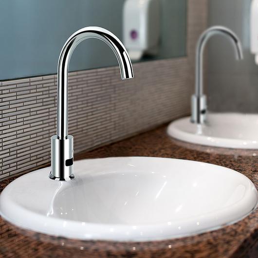 Grifería electrónica cuello cisne para lavatorio y lavaplatos / Nibsa