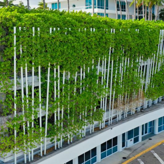 Six Ways a Greening Improves Architecture / Jakob