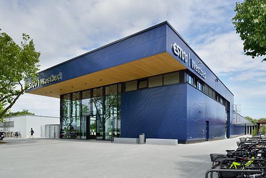 Hallenbad Swimming Pool Facilities