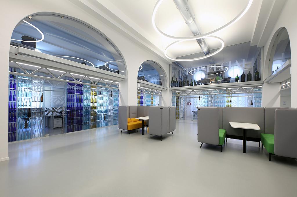 Rubber Flooring in Vetri Speciali HQ
