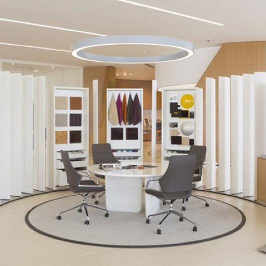 Furnishing Bentley Showrooms / B&B Italia