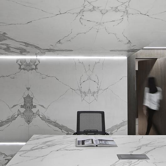 Neolith specified for Shenzhen showroom