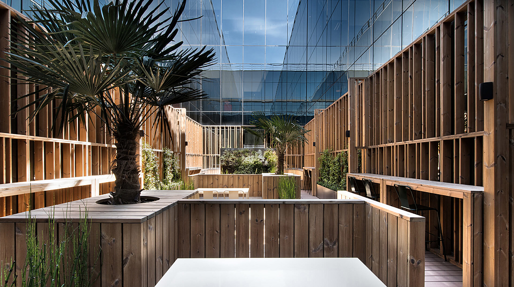 Lunawood in Orange Headquarters Madrid