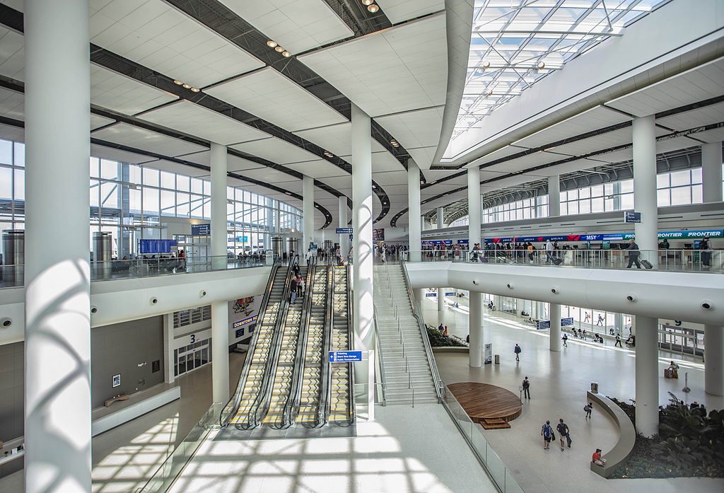 Spectrum Lighting in Louis Armstrong International Airport