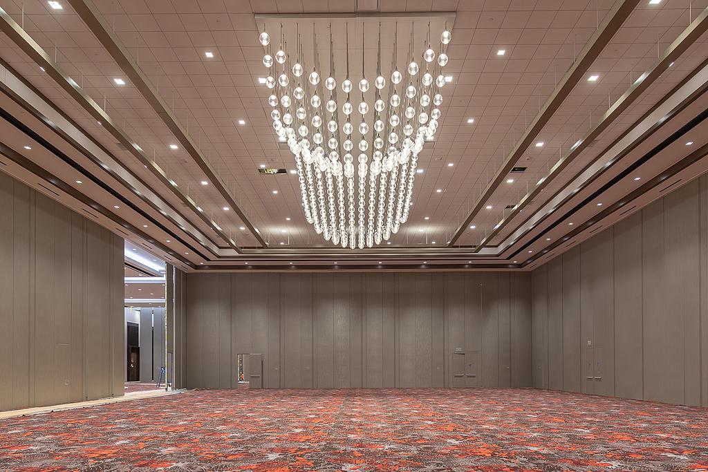 Spectrum Lighting in Caesars Forum