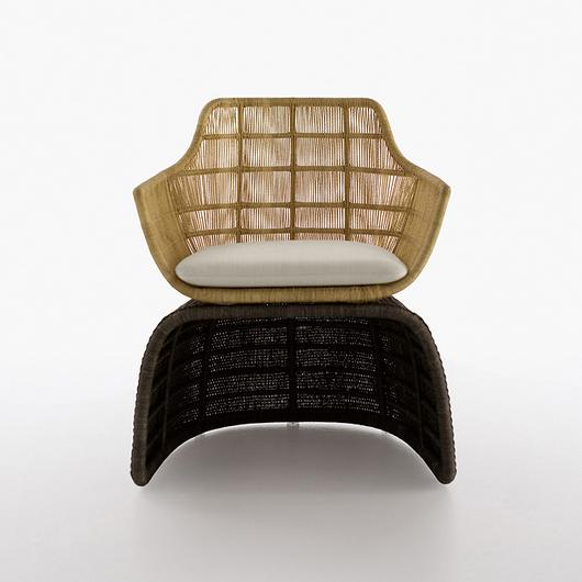 Armchair - Crinoline Shaped / B&B Italia