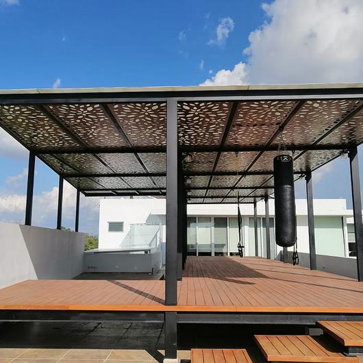 Plafones perforados en terraza / Amkel