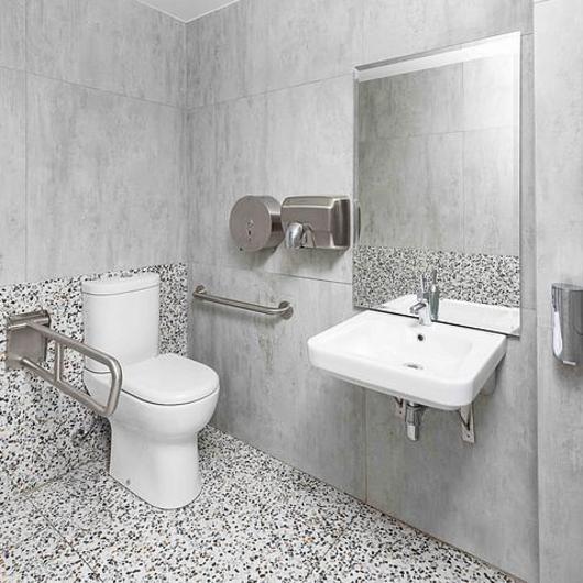 Baños para personas con Discapacidad / CHC