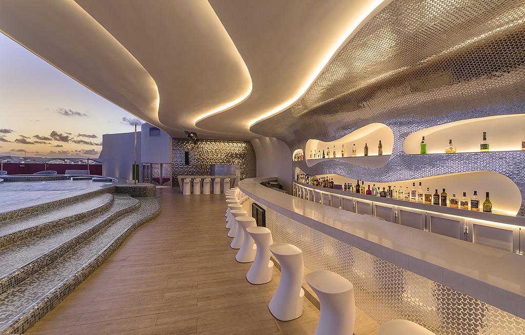Porcelánico Royalwood Out - Sky Lounge