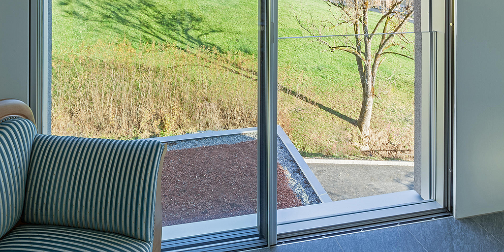 Fall-Proof Sliding Windows