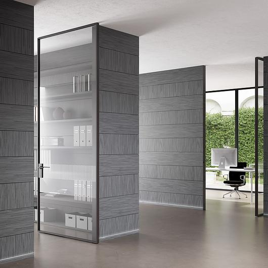 Linea Vertical Pivot Door / Linvisibile