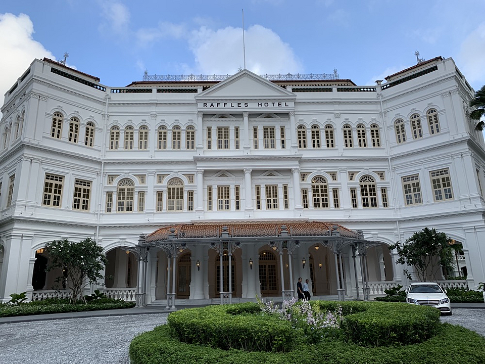 Mineral Paint in Raffles Hotel Singapore