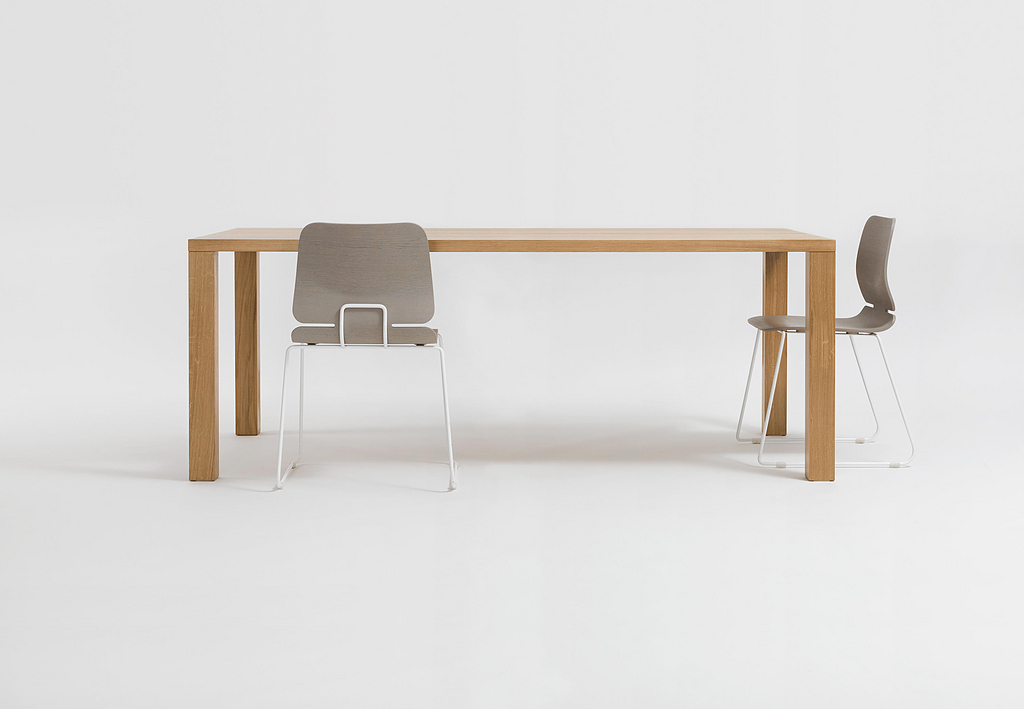 Wooden Table - Pjur