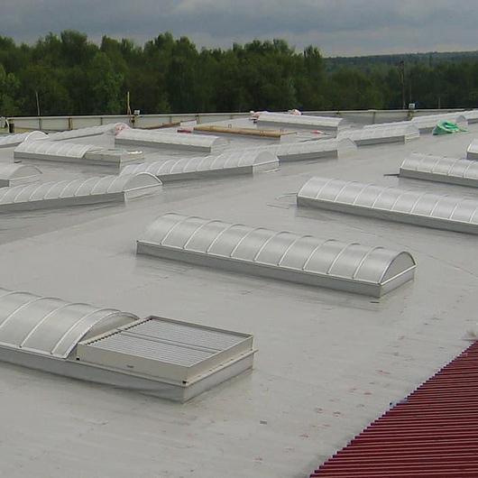 Lucarnas termoformadas traslúcidas para cubiertas