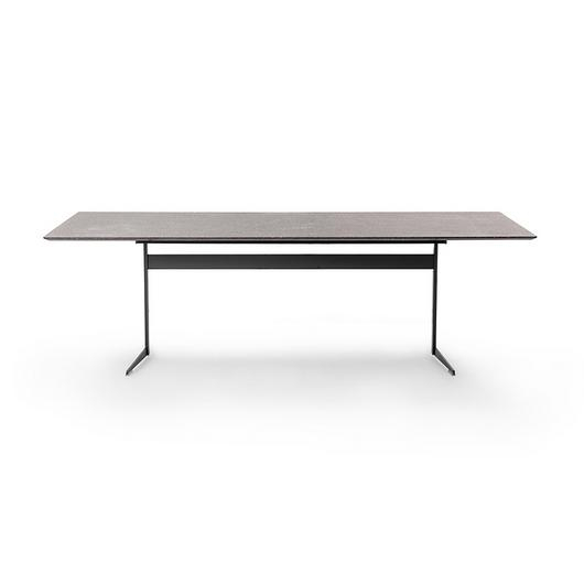 Dining Table - Fly / Flexform