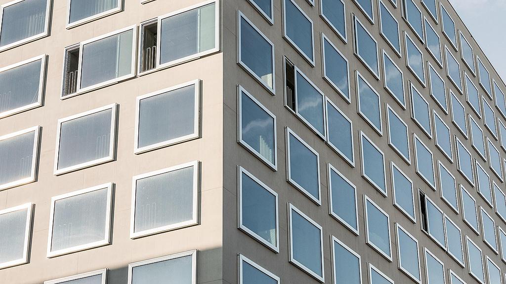 Sliding Windows for High-Rise Buildings