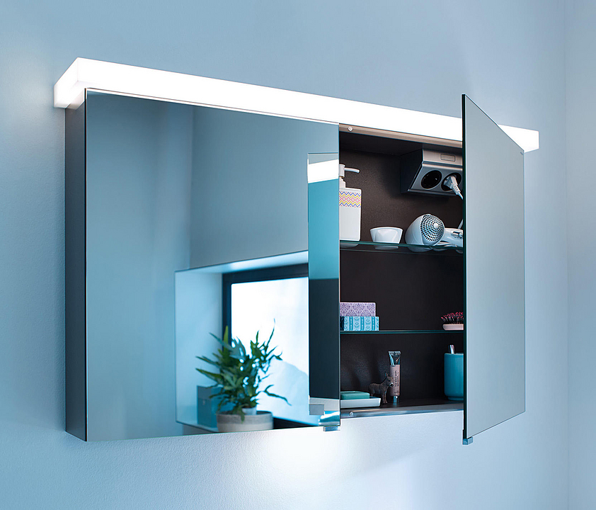 Mirror Cabinet With LED - Essento