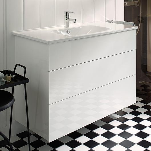 Ceramic Washbasin and Vanity - Essento / burgbad