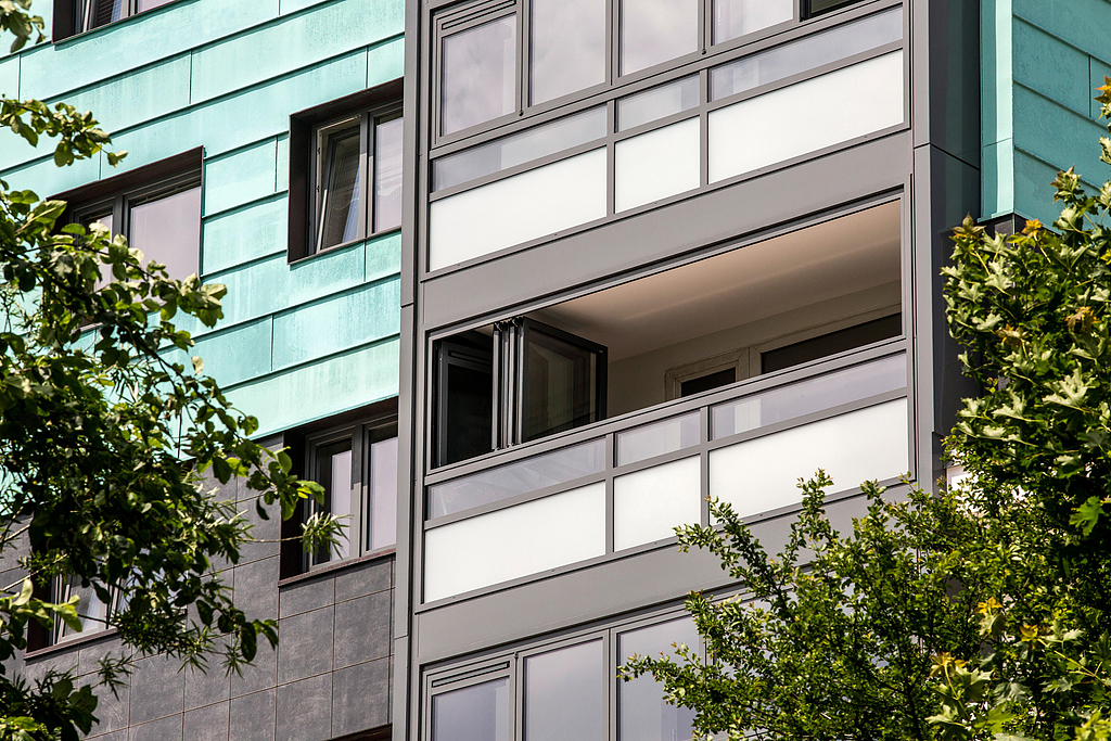 Balcony Glazing - SL 60e