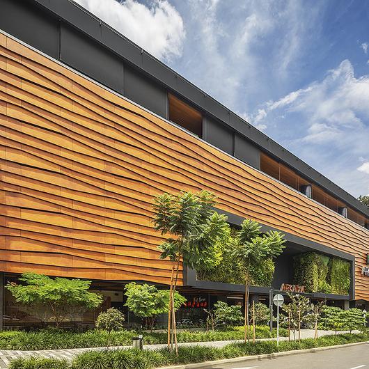 Revestimientos exteriores en centros comerciales / Hunter Douglas