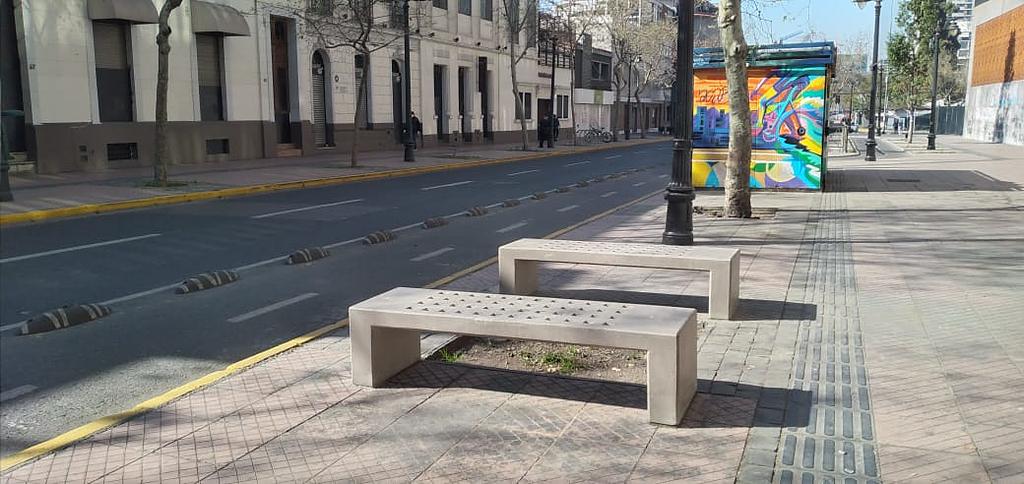 Mobiliario urbano: Bancas, basurero y bicicletero