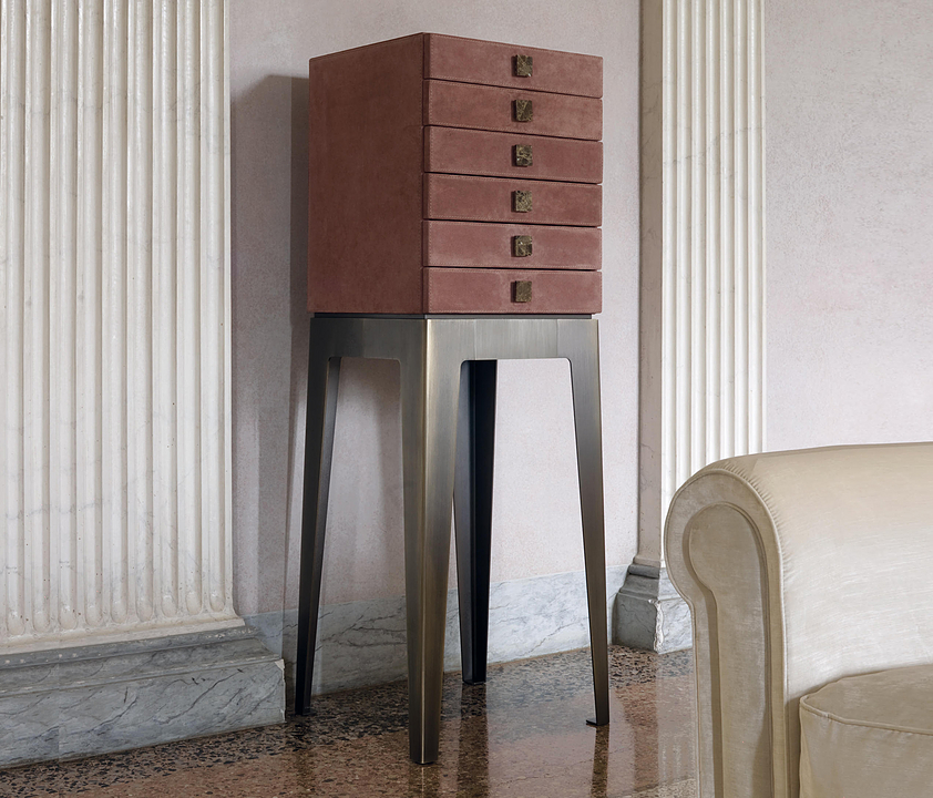 Chest of Drawers - Lady
