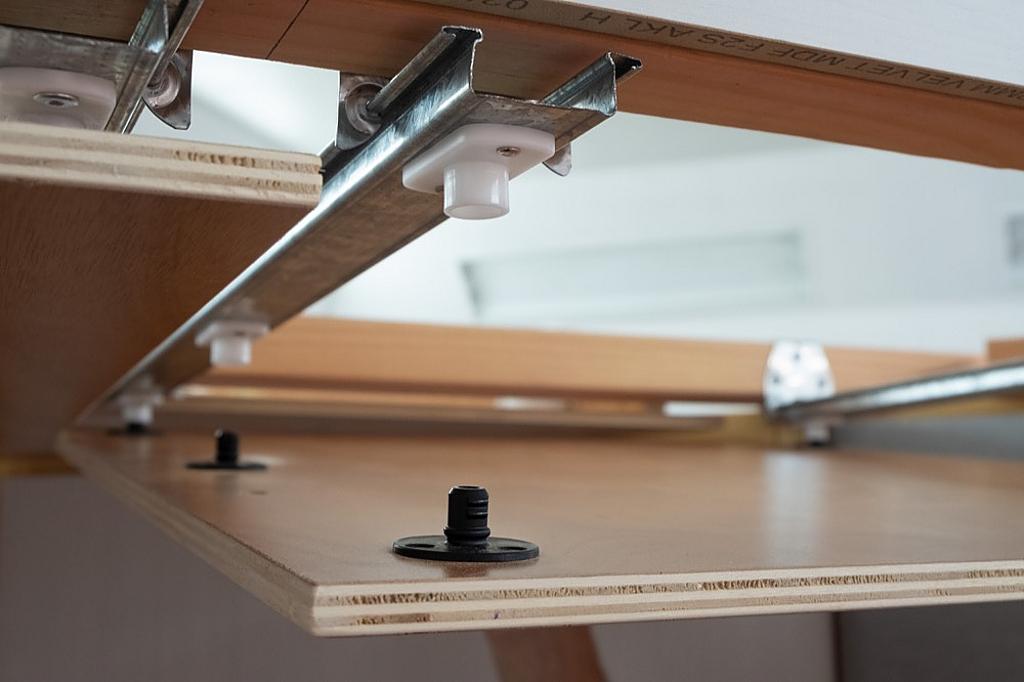 Fixador com parafuso para painéis pesados - PC-SVMX