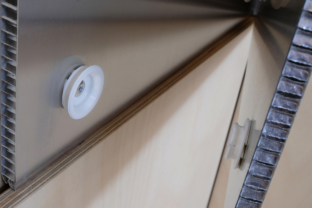 Fixador oculto com resistência ao fogo para painéis - Linha Very Low Profile