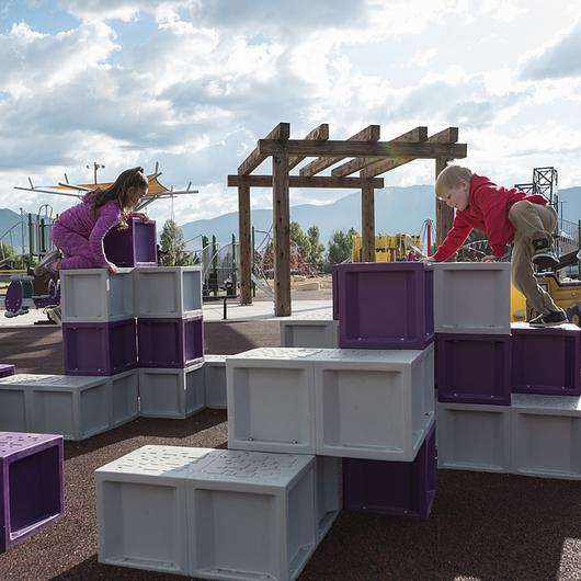 Juegos infantiles Unity Stepper y Climbing Squares - Cliffs / Fahneu