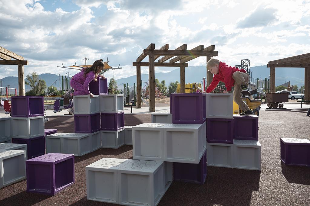 Juegos infantiles Unity Stepper y Climbing Squares - Cliffs