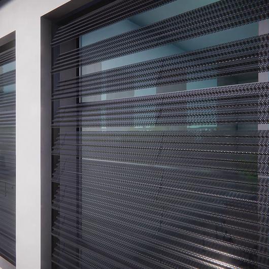 Barreras solares bioclimáticas Briselux / Metaldesign