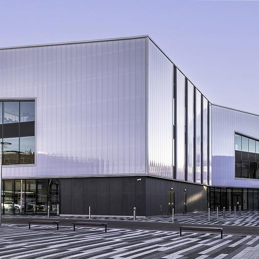 Translucent Building Elements in Basildon Campus / Rodeca
