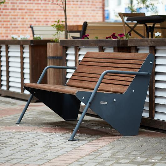 Punto Benches and Litter Bins in Public Space Improvements / Punto Design
