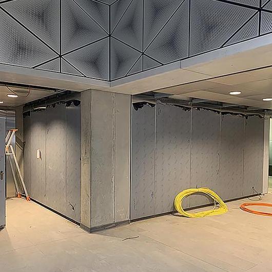Montajes resistentes al fuego para paneles en Metro de Rennes / Fastmount