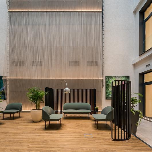 Metal Fabric  Interior Cladding - K120 Business Centre / Kriskadecor