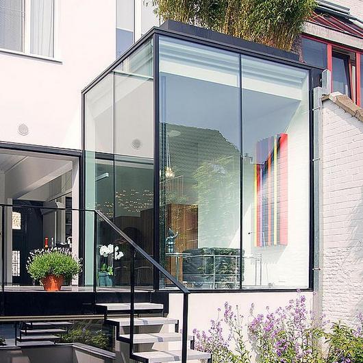 Corner Window  - Corner Fix / Orama Minimal Frames
