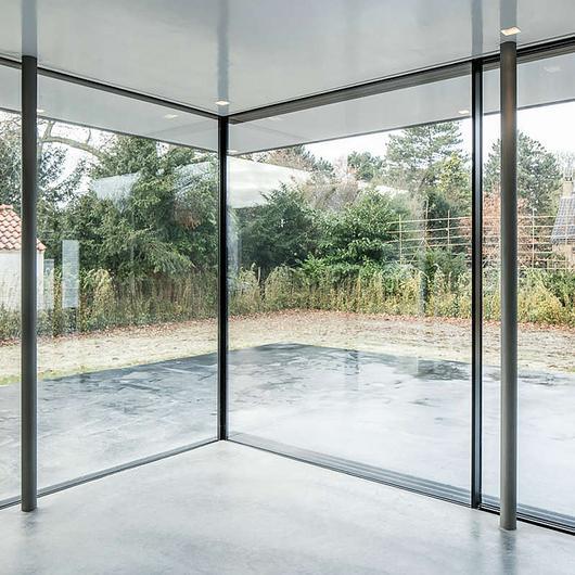 Corner Window - Double Sliding Corner / Orama Minimal Frames