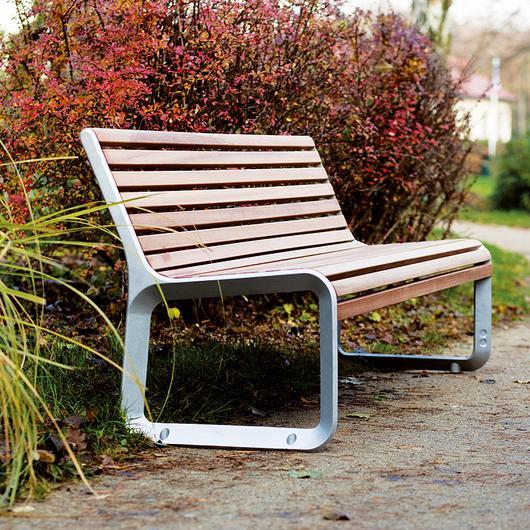 Park Bench - Portiqoa / mmcité