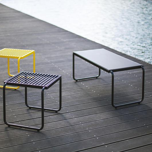 Outdoor Table - Stack / mmcité